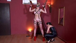 Kinky bit of skirt in corset Patricia MedicalySado punishes tied up the man hooker