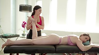 Massage girl Whitney Wright gives a cunnilingus to bodacious milf Chanel Preston