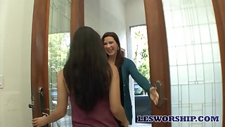 Enchanting MILF Katerine Moss enjoying some steamy lesbian reaction behaviour