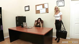 Sensual lesbian sex in be transferred to cards explore - Spencer Scott & Vanessa Veracruz