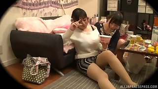 Tsukada Shiori and her girlfriend made out and had an amazing time